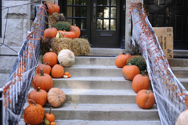 Tasteful Autumn Decor Ideas for Your Staged Home