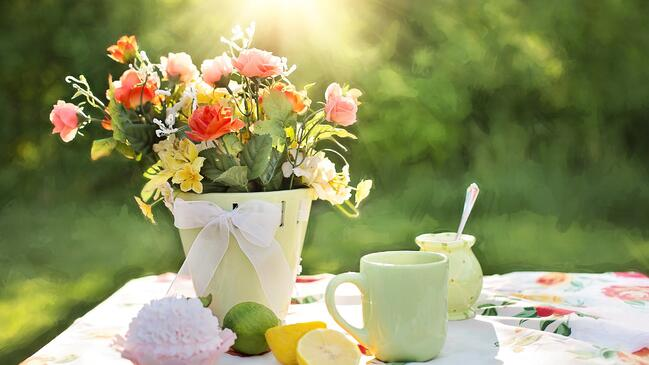 Springtime Scents to Use in Your Home for Sale