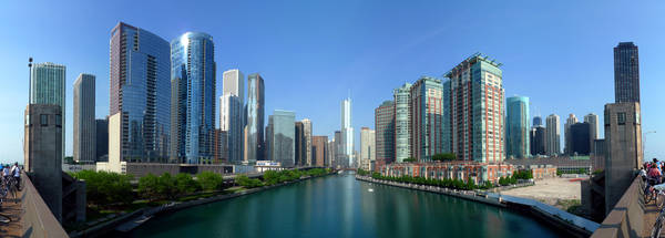 buildings_along_chicago_river_line_the_south_border_of_the_near_north_side_and_streeterville_and_the_north_border_of_chicago_loop_lakeshore_east_and_illinois_center