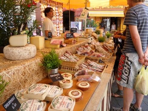 Market_in_Provence.jpg