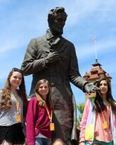 Springfield - Girls with Lincoln Statue-294878-edited