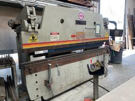 1995 Accurpress 710010 Hydraulic Press Brake (#3283)