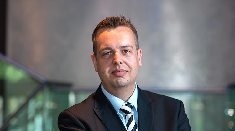 Stephan Wachsmuth, stv. Hoteldirektor, i/c Rooms über SuitePad für Wellnesshotels