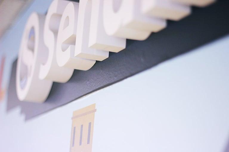 sendible-logo-sign