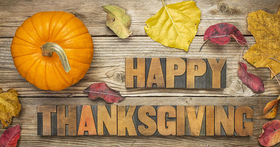5 Reasons to be Thankful for Social Media this Thanksgiving!