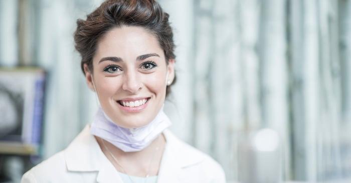 Consiglio pratico: cosa fare se il colore scelto per il dente appare troppo chiaro?