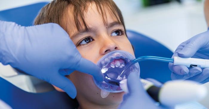 Il consiglio di una collega: isolamento efficiente del campo operatorio nei pazienti pediatrici