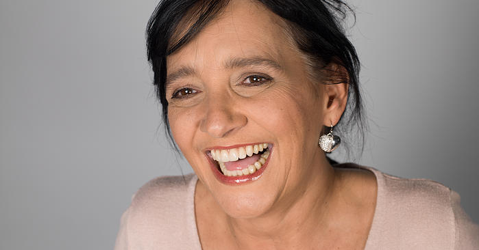 Praxistipp: Gepflegten Zahnersatz länger erhalten