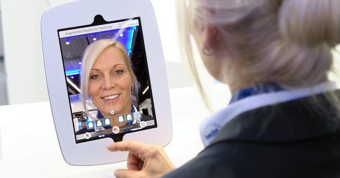 How Augmented Reality facilitates dental treatments