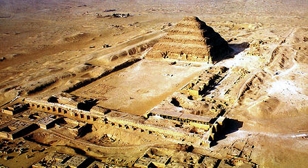 The first known architect in history for Imhotep architecte