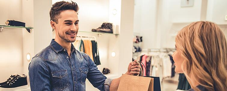 Businesses and consumers define good customer experience