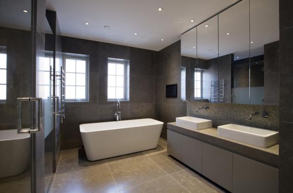 Azul Valverde Portuguese limestone bathroom