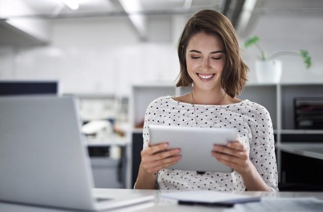 woman on laptop.jpg