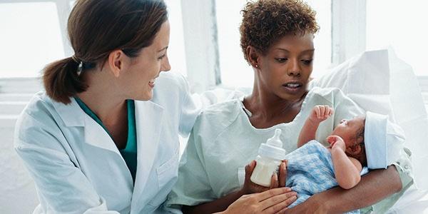 Blog_MaternalMortality5Strategies_PregnantCheckUpMinority_600x300px
