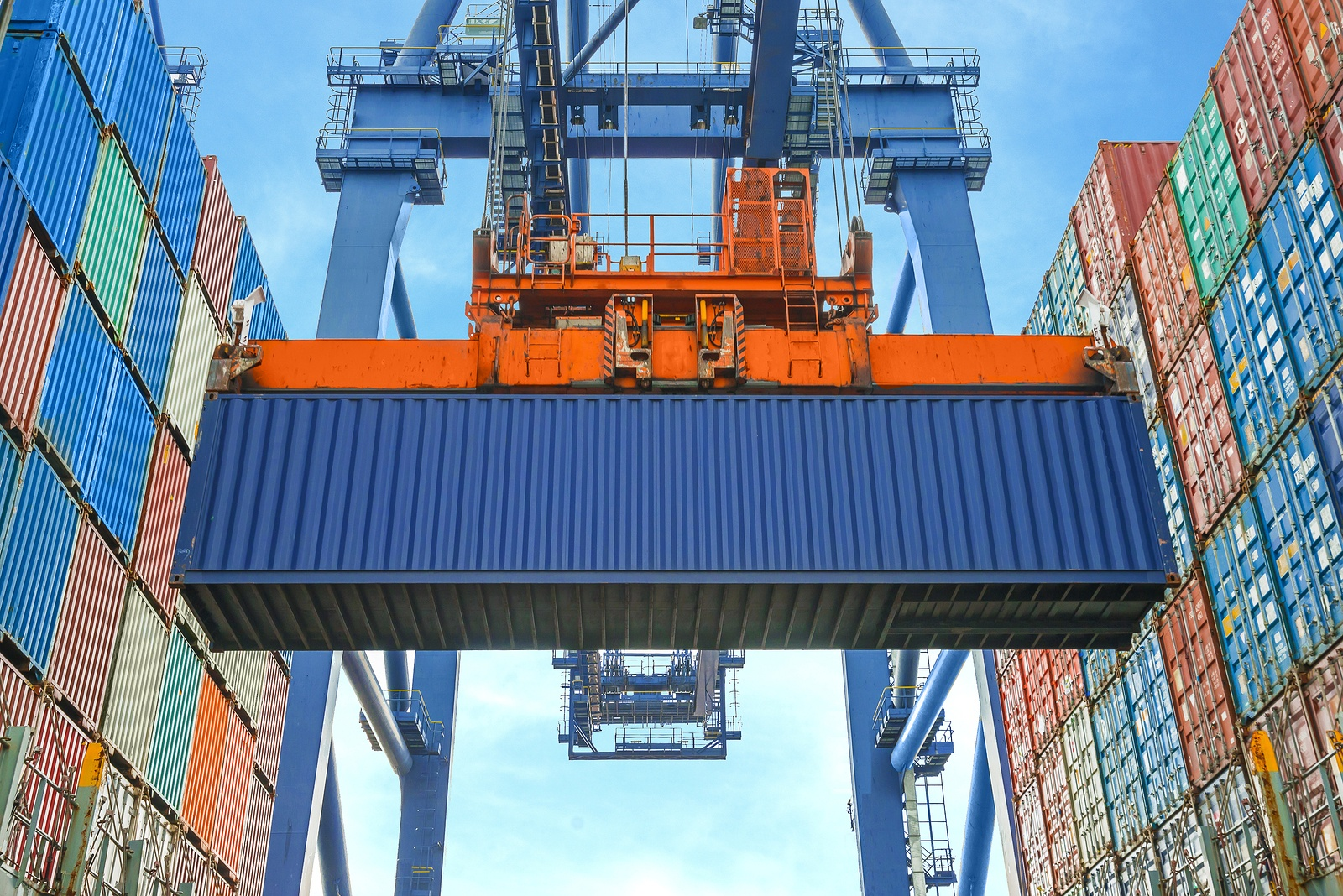 Tradecloud Shore Crane Loading Containers