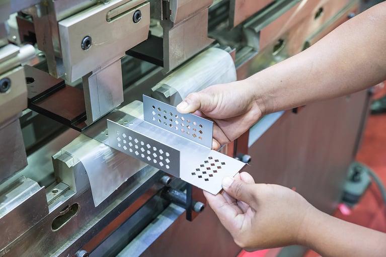Preventing Common Press Brake Mistakes: Bend Radius for Sheet Metal