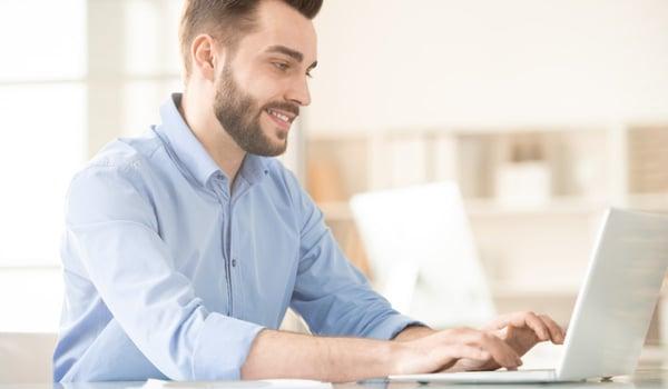 ¿Cuánto cuesta estudiar una licenciatura en línea?