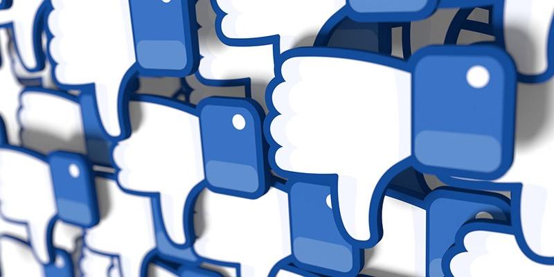 Facebook value drops $50bn after data scandal