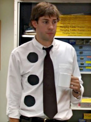Disfraz halloween oficina Jim Halpert