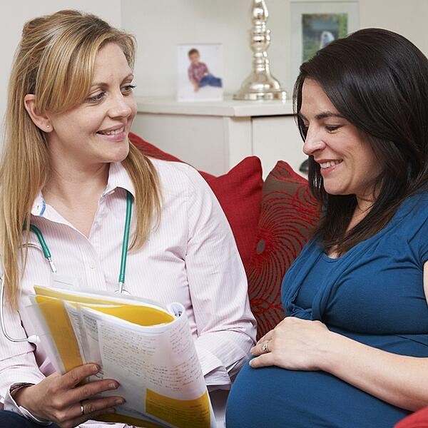 Why Choose a Surrogacy Agency?