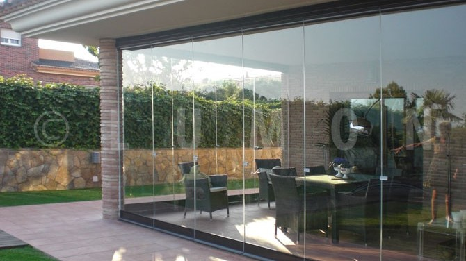 Lumon Panoramic Tempered Glass Patio Enclosure Cleveland, Ohio. Natural Light Patio Covers.