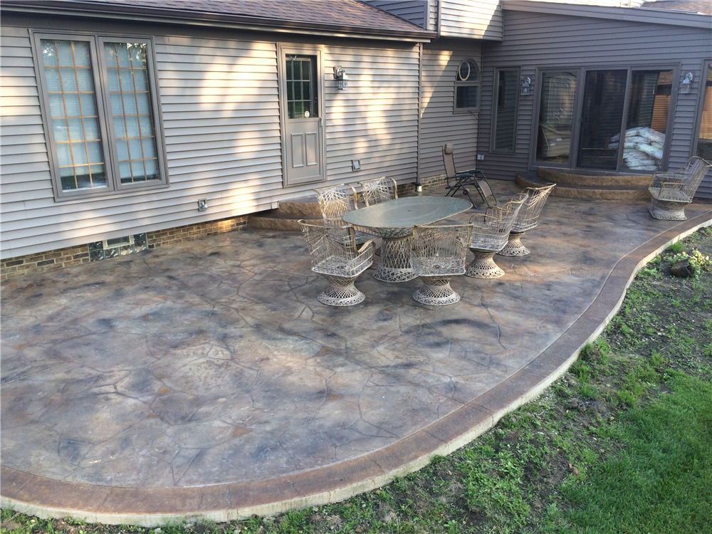 Decorative Concrete, Stamped Cement, affordable alternative to pavers. Contractor installer Mentor, Chardon, Kirtland, Willoughby, Concord, Mayfield, Lyndhurst, Highland Heights, Pepper Pike, Beachwood, Solon, Wickliffe, Cleveland 44092 44095 44060 44077 44143 Ohio