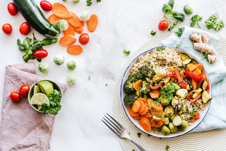 胡萝卜碗,西兰花,和大米