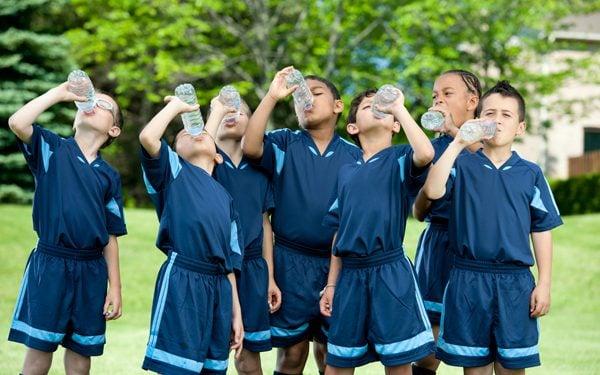 iStock-166061065sized-kids-hydrating-600x375
