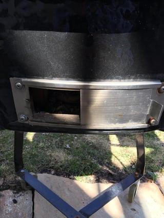 Primo grill bottom vent open