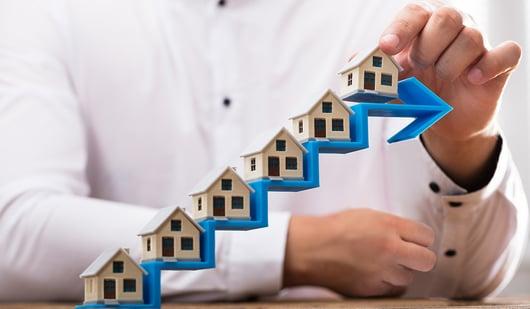 Inversión en bienes raíces o ahorro para el retiro.
