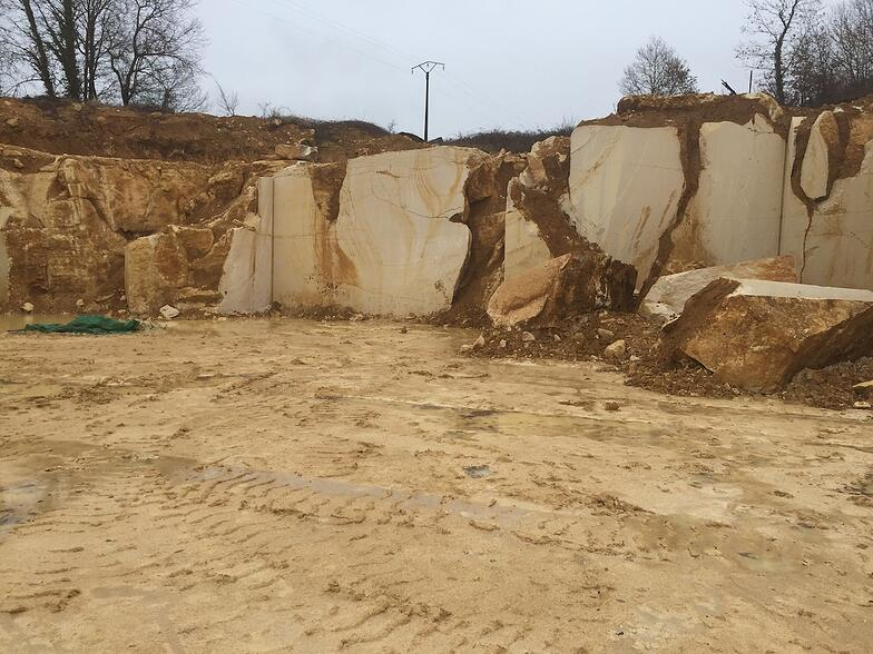 Chauvigny quarry - French limestone