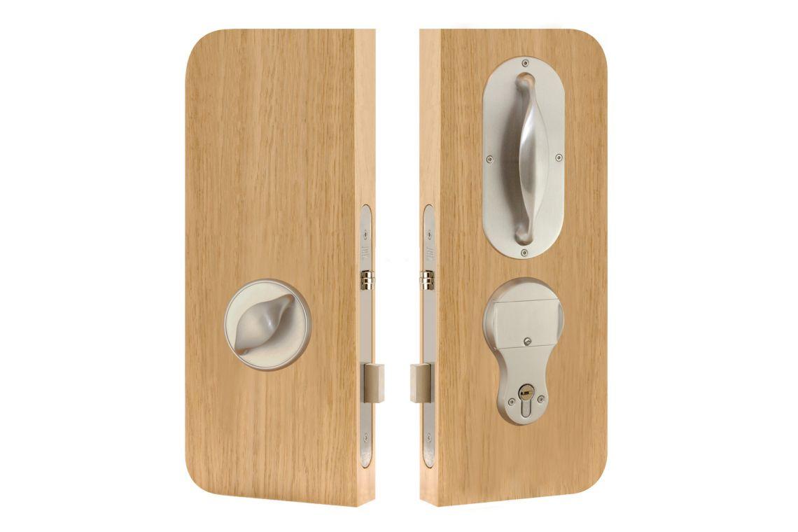 46 – Bedroom lockset