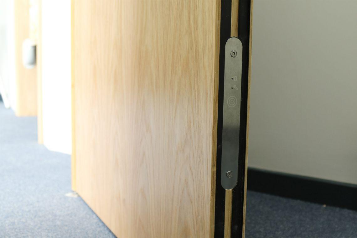door-alarm-cover-plate-discreet-9T6A0993