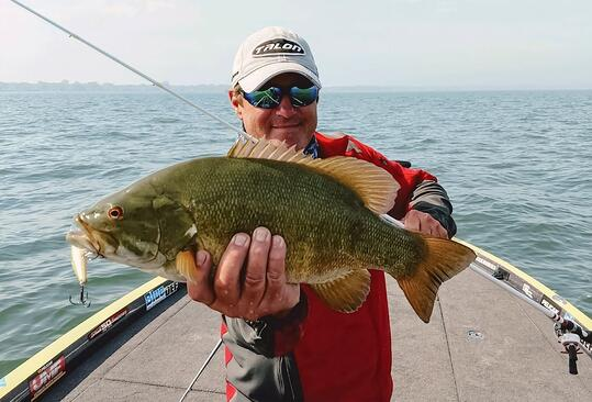 When to Go Bass Fishing with Polarized Sunglasses and Cheap Sunglasses with PUGS