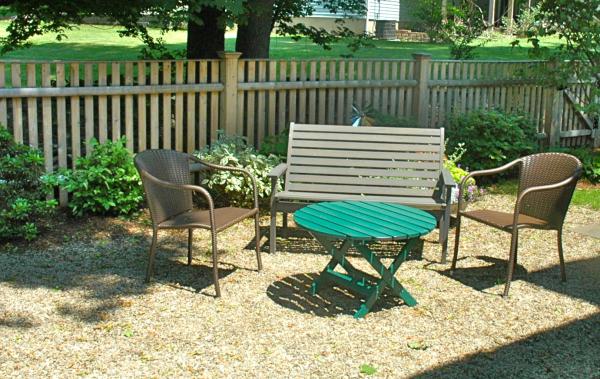 Patio materials price of pea gravel patios for Patio materials