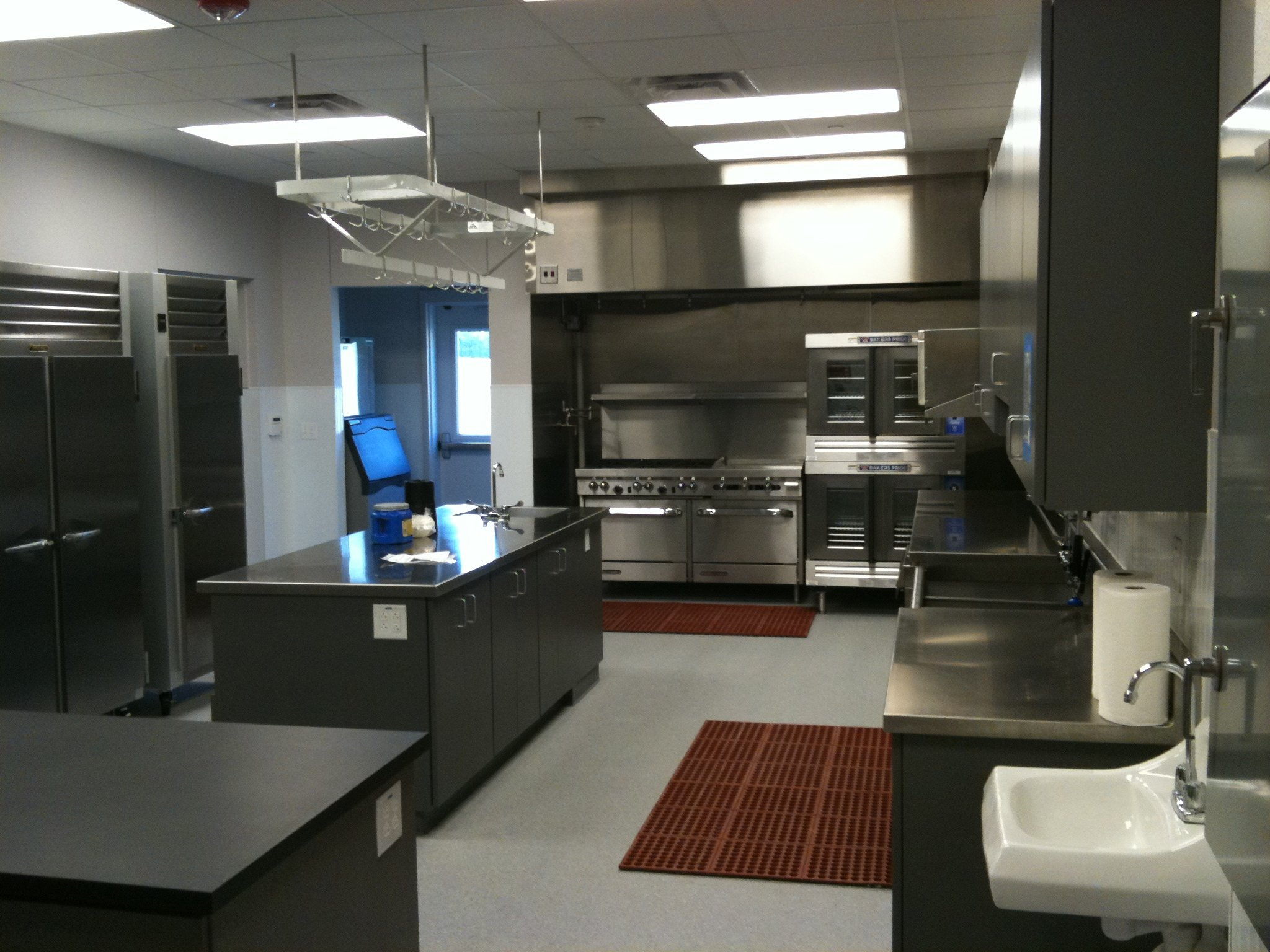 Luxury Commercial Kitchen Code Requirements | KhetKrong