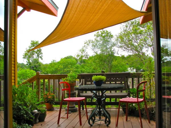 Residential sun shades they 39 re inexpensive and they work - Toile pare soleil ...