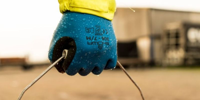 Nitrile, Latex or Vinyl Gloves: What's the difference?
