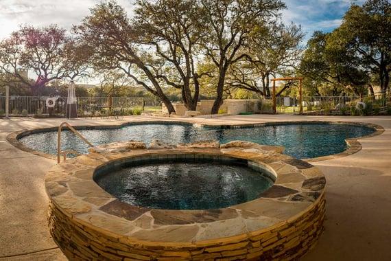 Joshua-Creek-Ranch_hot-tub