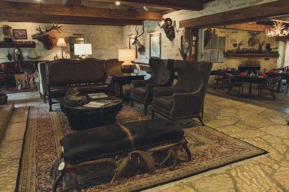 Joshua-Creek-Ranch_inside-lodge