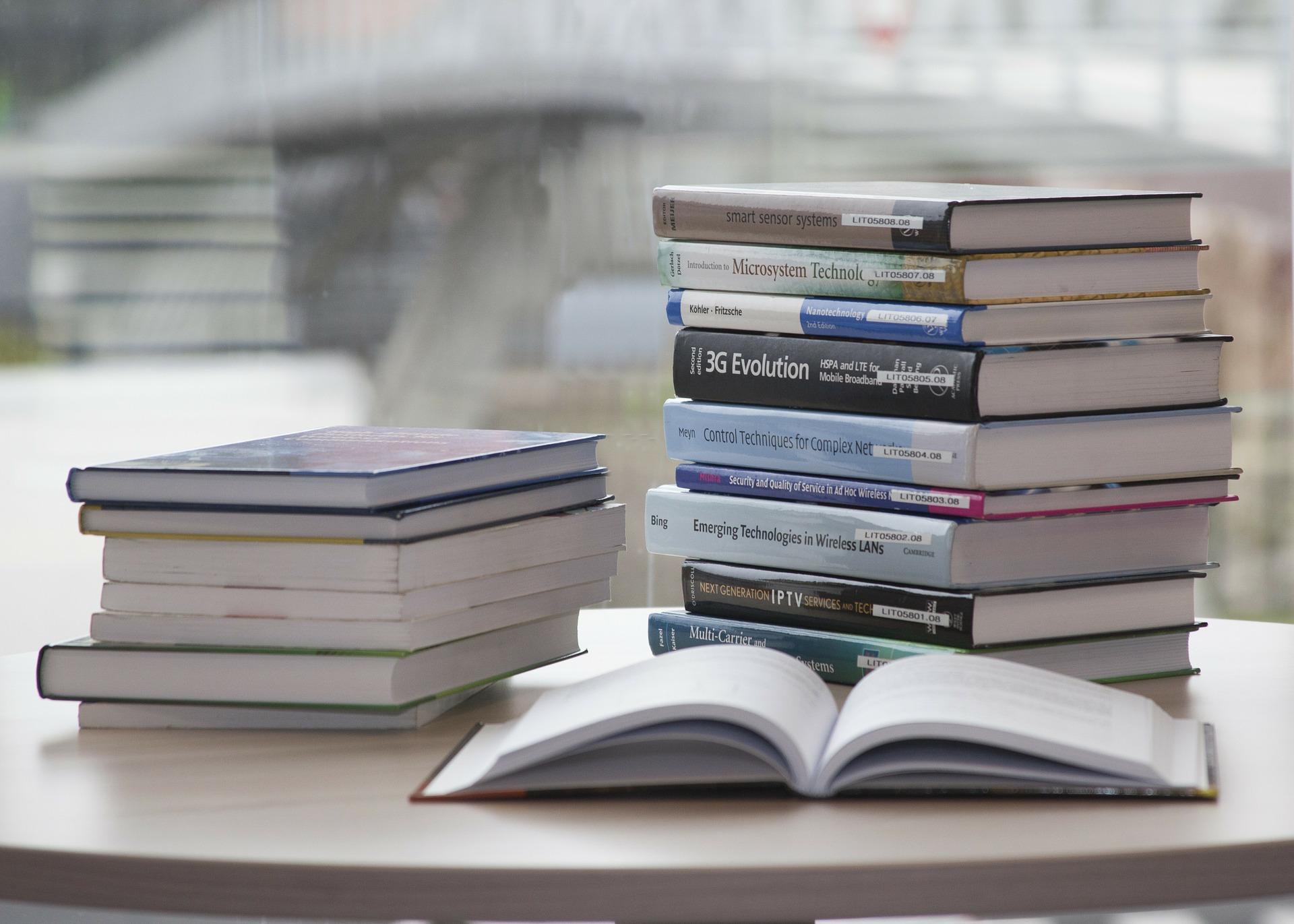 book-168824_1920.jpg