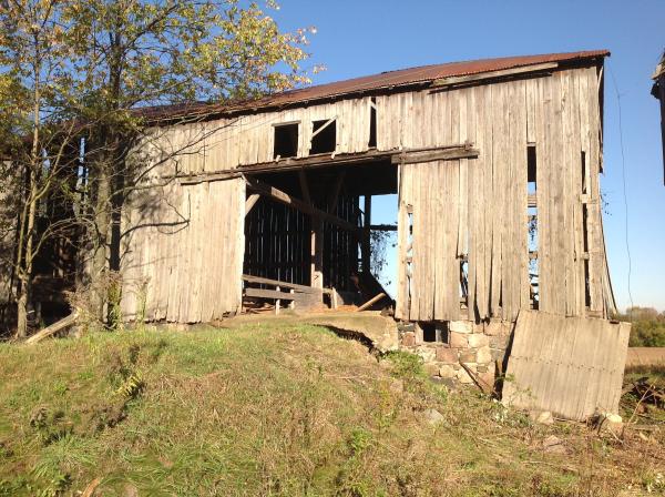 reclaimed-wood-barn-barn-demo-removal