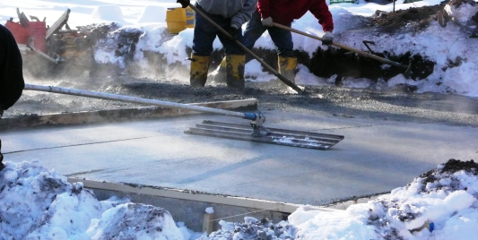 pour concrete in winter