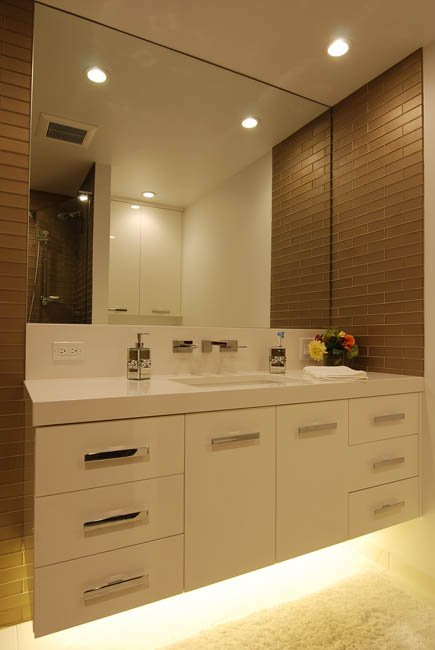 Pros Amp Cons Of Wall Mounted Vanities With Lighting Underneath