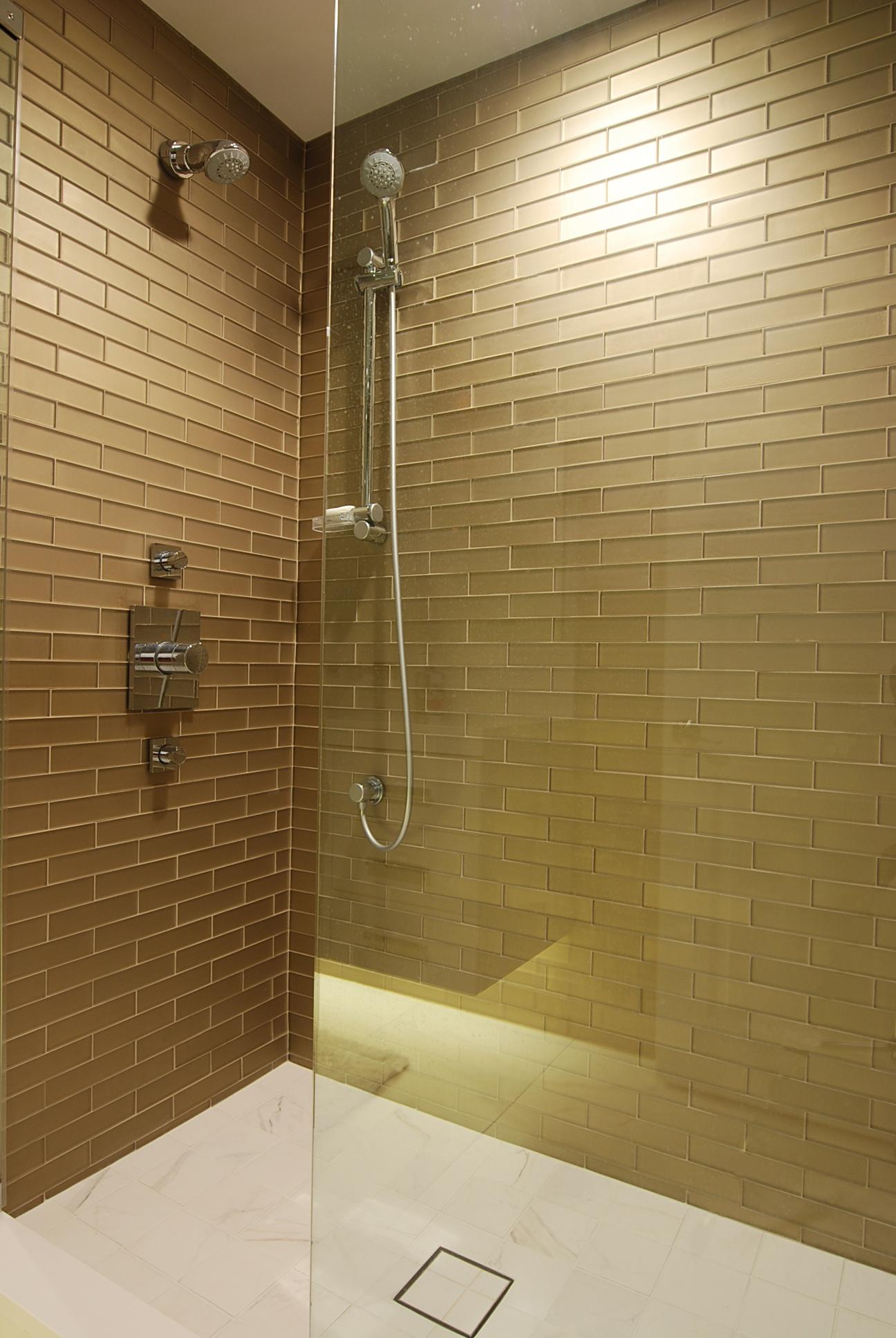 Bathroom remodeling tips for choosing tile for your shower for Selecting bathroom tile