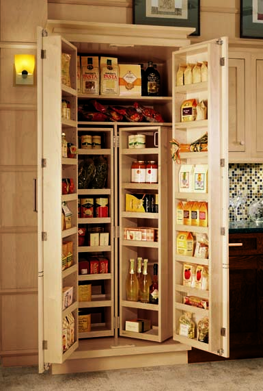 Kitchen Cabinets: Options for a Kitchen Pantry You Deserve