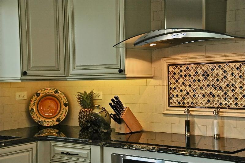 under cabinet lighting solutions for kitchen remodeling