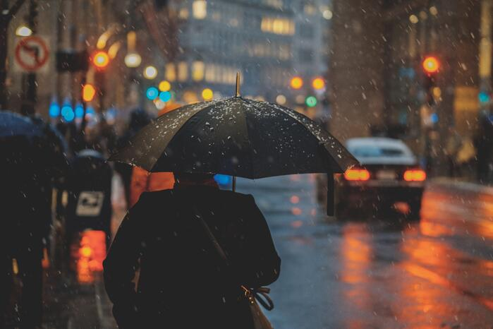 Despite national uptick in May restaurant sales, rainy weather dampens performance in NYC