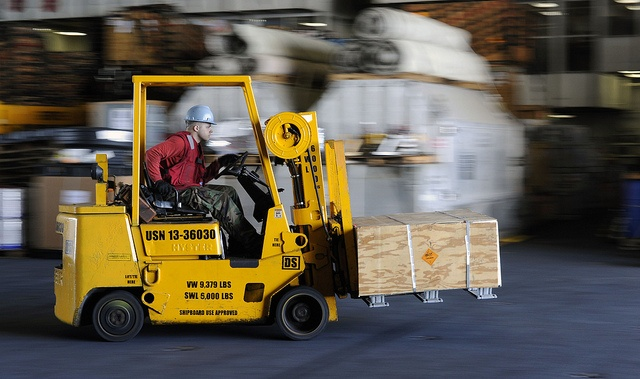 fast warehouse access for forklifts with rapid doors