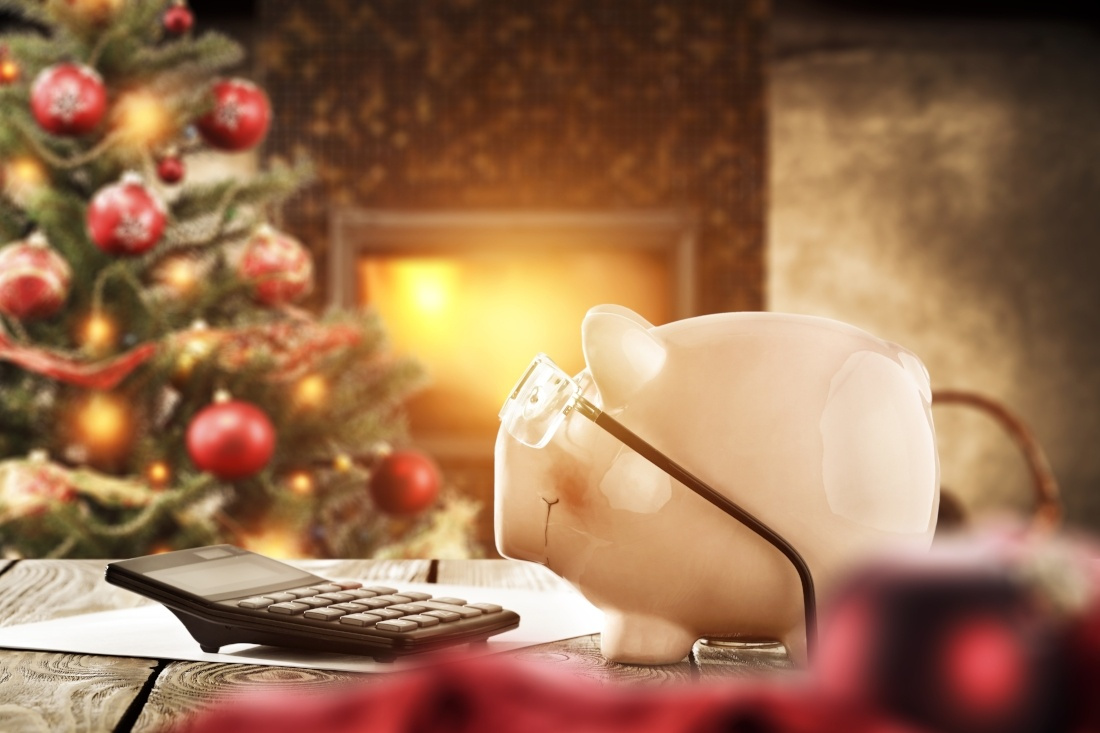 10 Tips to Get You Through the Holidays Without Going Into Debt